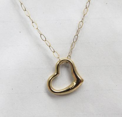 9ct gold heart pendant on 9ct gold chain, approx ""