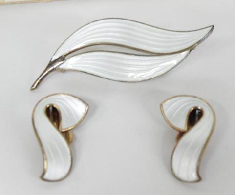 Norwegian silver brooch and earrings - silver and enamel