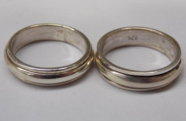 Two 925 silver spinner rings