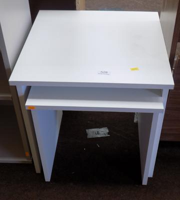White 2 piece nest of tables