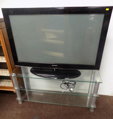 "42"" Samsung TV and glass TV stand - W/O"
