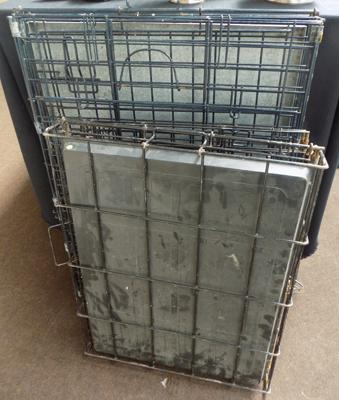 2x Dog cages (1 medium & 1 large)