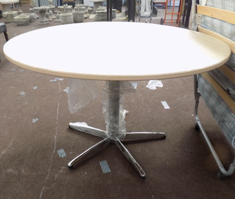 Large chrome based table