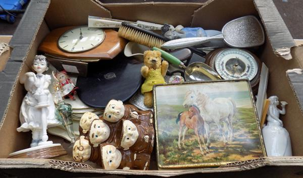 Box of mixed collectables