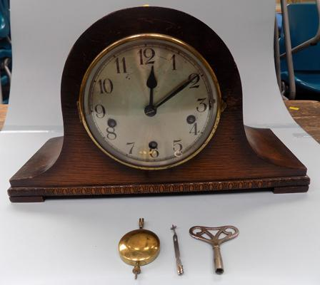 German mantle clock with key (in office) - needs repair