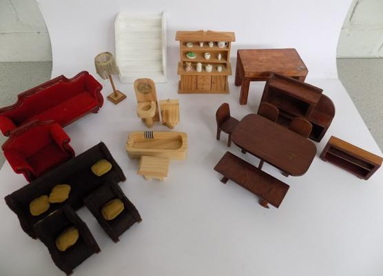Box of doll's house furniture