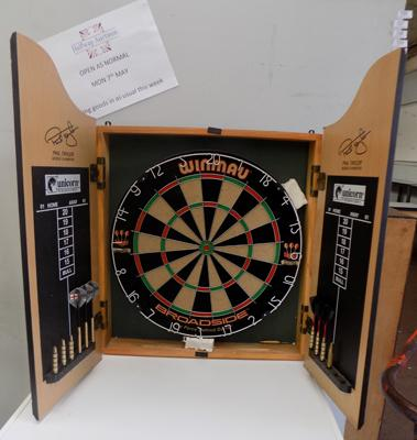 Dartboard in case