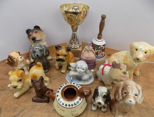 Box of mixed collectables incl. dogs etc.