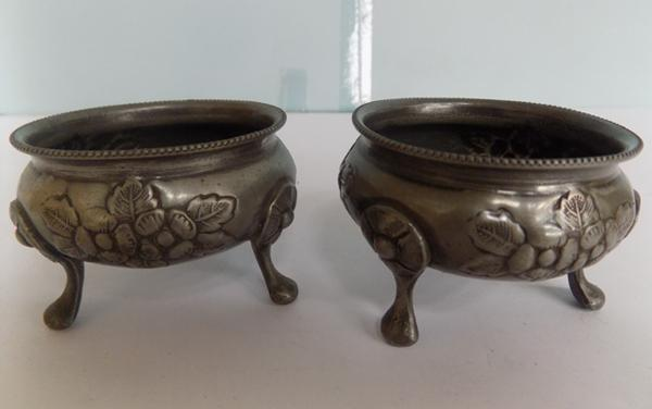 Pair of 1930's Arts & crafts style, hammered pewter Salts, numbered 1395