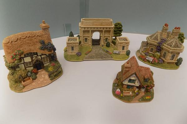Four signed Lilliput Lane pieces - Skirsgill Lodge, Dormouse cottage, grandma & Grandpa's - Gateway to Harewood