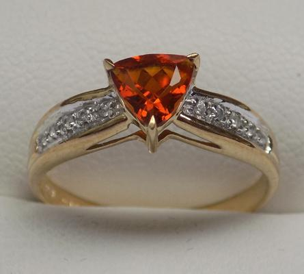 9ct gold citrine & diamond ring, size Q
