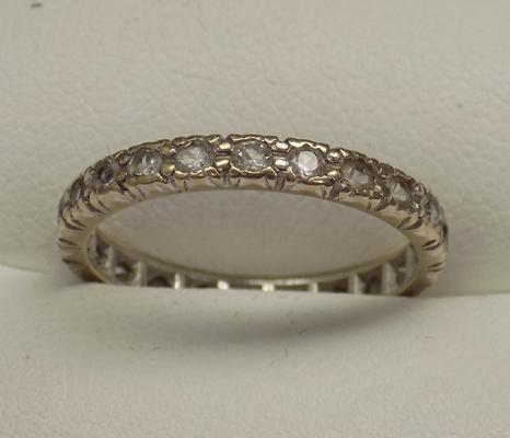 9ct gold white stoned full eternity ring, size Q