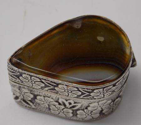 925 silver trinket box with floral pattern and large agate stone