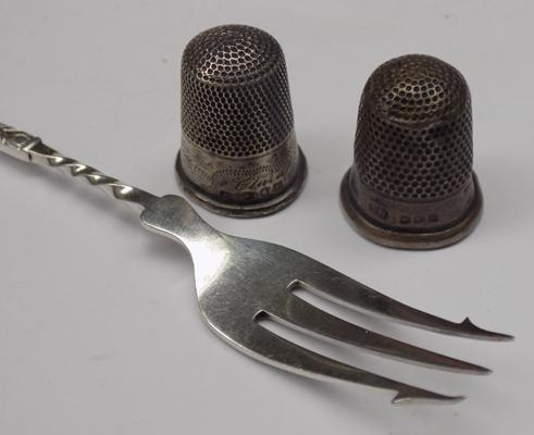 Two sterling silver thimbles, incl. Charles Horner + silver pickle fork