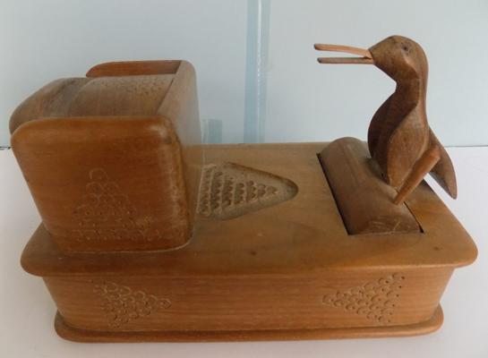 "Vintage treen 'Pecking Bird' novelty cigarette box, 9"" long"