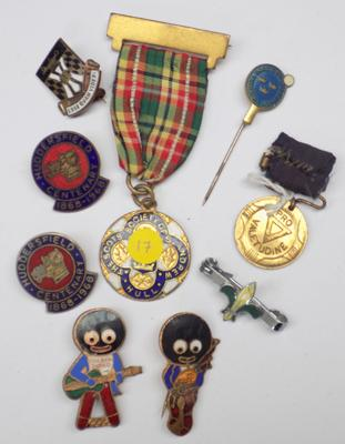 Selection of badges, medals & Golly badges