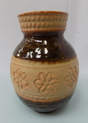 Vintage West German vase - approx. 7""