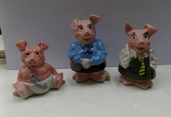 3x Nat West pigs-baby,sister,mother