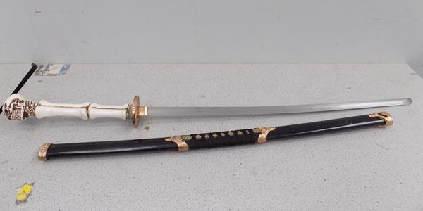 Replica fantasy sword & sheath