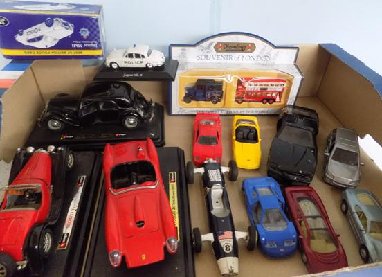 Selection of boxed & loose die-cast, incl. Burago, 1/32 on bases