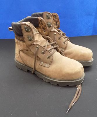 Pair of new steel toe cap boots (size 8)