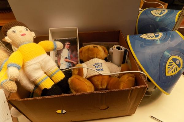 Box of Leeds United collectables inc signed items