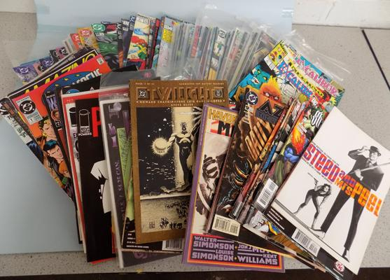 Box of collectable comics, incl. X Men etc...