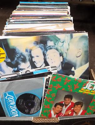 Large box of records & singles, incl. Jets