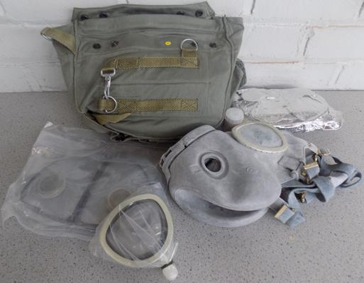 Polish army issue gas mask, brand new in bag