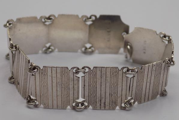 "Vintage silver bracelet with engine turned pattern - approx. 7"" hallmarked silver"