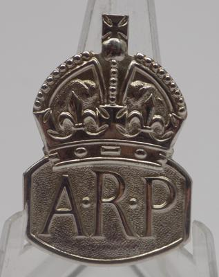 Sterling silver WW2 ARP badge - London 1937 makers mark RJ