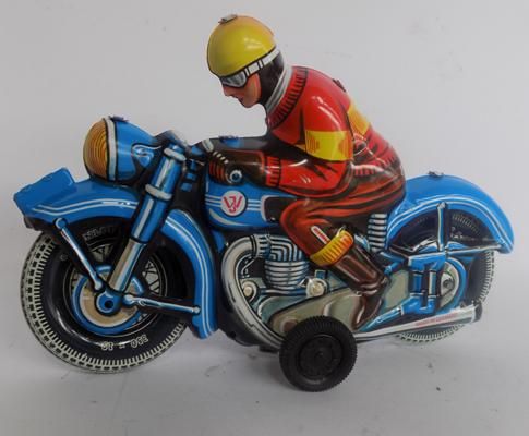 Tin plate motorcyclist