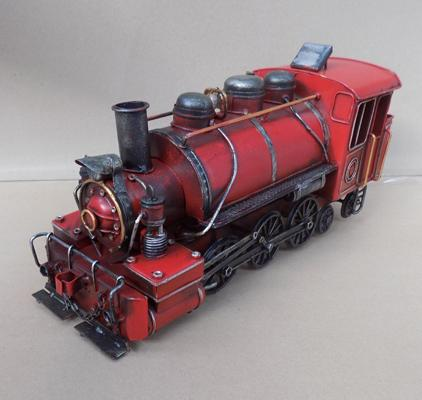 Large tin plate locomotive, approx. 31cm long
