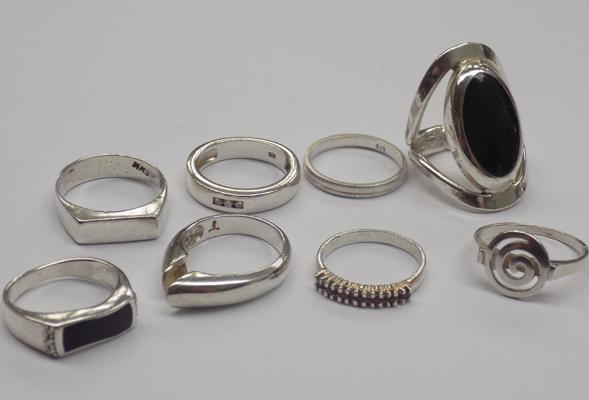 8x silver rings - various sizes and designs incl. gemstones