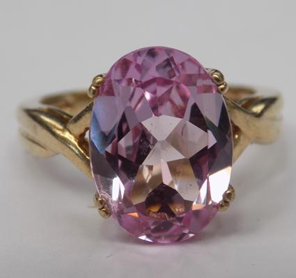9ct gold pink tourmaline ring - colour changing, size N