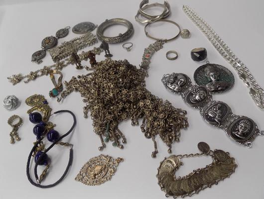 Job lot of white metal jewellery
