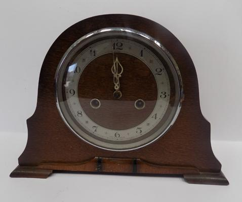 Smiths Enfield vintage oak cased mantle clock