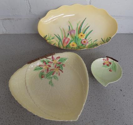 Vintage Carlton ware floral patterned bowl + two other Carlton ware items - no damage