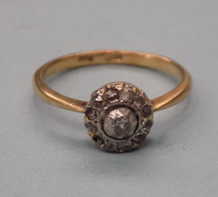 18ct Gold & diamond ring 2.8gms some stones missing