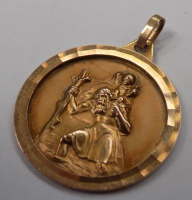 9ct gold St Christopher, 2.7 grams