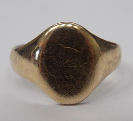 9ct gold vintage signet ring - size O