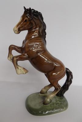Beswick rearing horse-no damage found