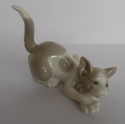 Lladro kitten - no damage found