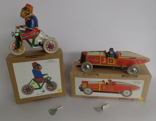 Tin plate wind up red racer & monkey on tricycle