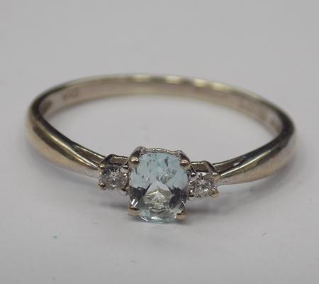 9ct gold aquamarine & diamond trilogy ring, size N 1/2