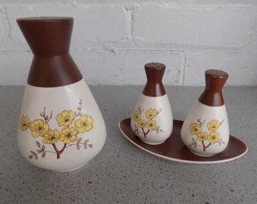 Hand painted Carlton ware sugar sifter & cruet - nibbling to salt pot