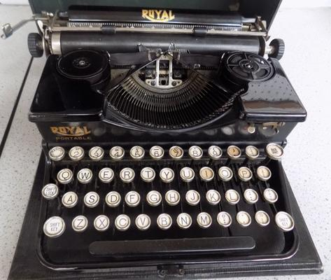 Royal typewriter (New York)