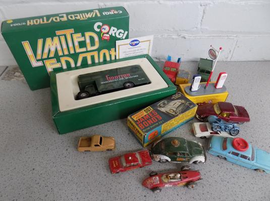 Box of Corgi cars, incl. James Bond boxed