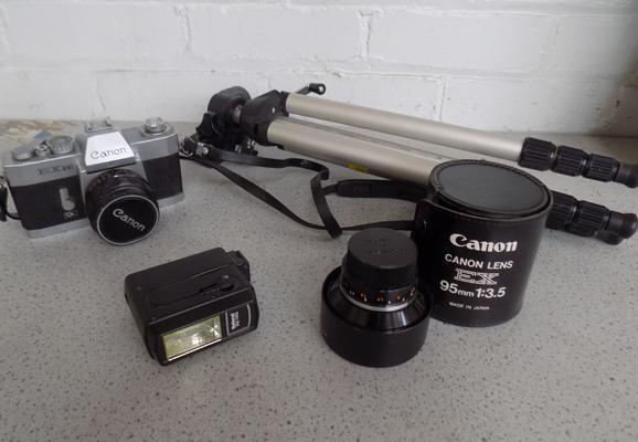 Vintage Cannon 35mm camera with tele-photo lens + flash & tripod