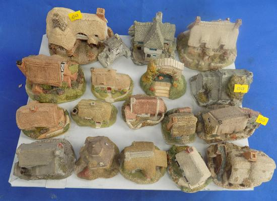 18x Lilliput Lane cottages & houses